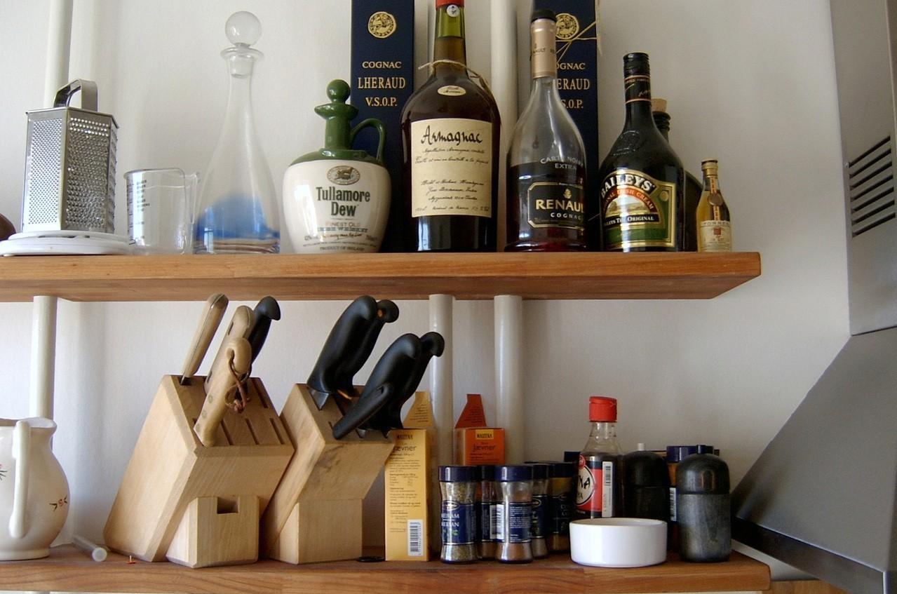 Elementy niezbędne w urządzeniu każdej kuchni